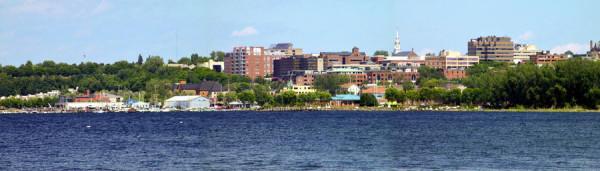 Burlington_seen_from_Lake_Champlain